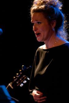 Danielle Sluijmers, zang